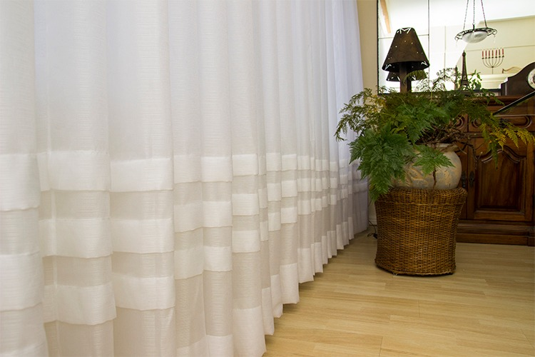 cortina-tradicional-prega-religiosa